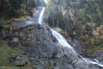 Cascate di Lares 5.jpg (146683 byte)